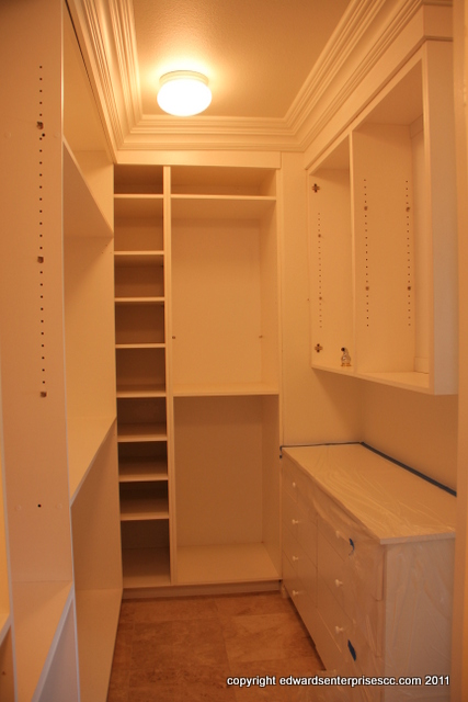 Edward's Enterprises Closet Repair and Remodel Services in Los Angeles, CA 90024, 90025, 90034, 90049 and 90064: Install new closet shelving to maximize an existing space for maximum space. Edward's Enterprises 90024, 90025, 90034, 90049 and 90064 Closet Organizer Installations makes it possible with just a call.
