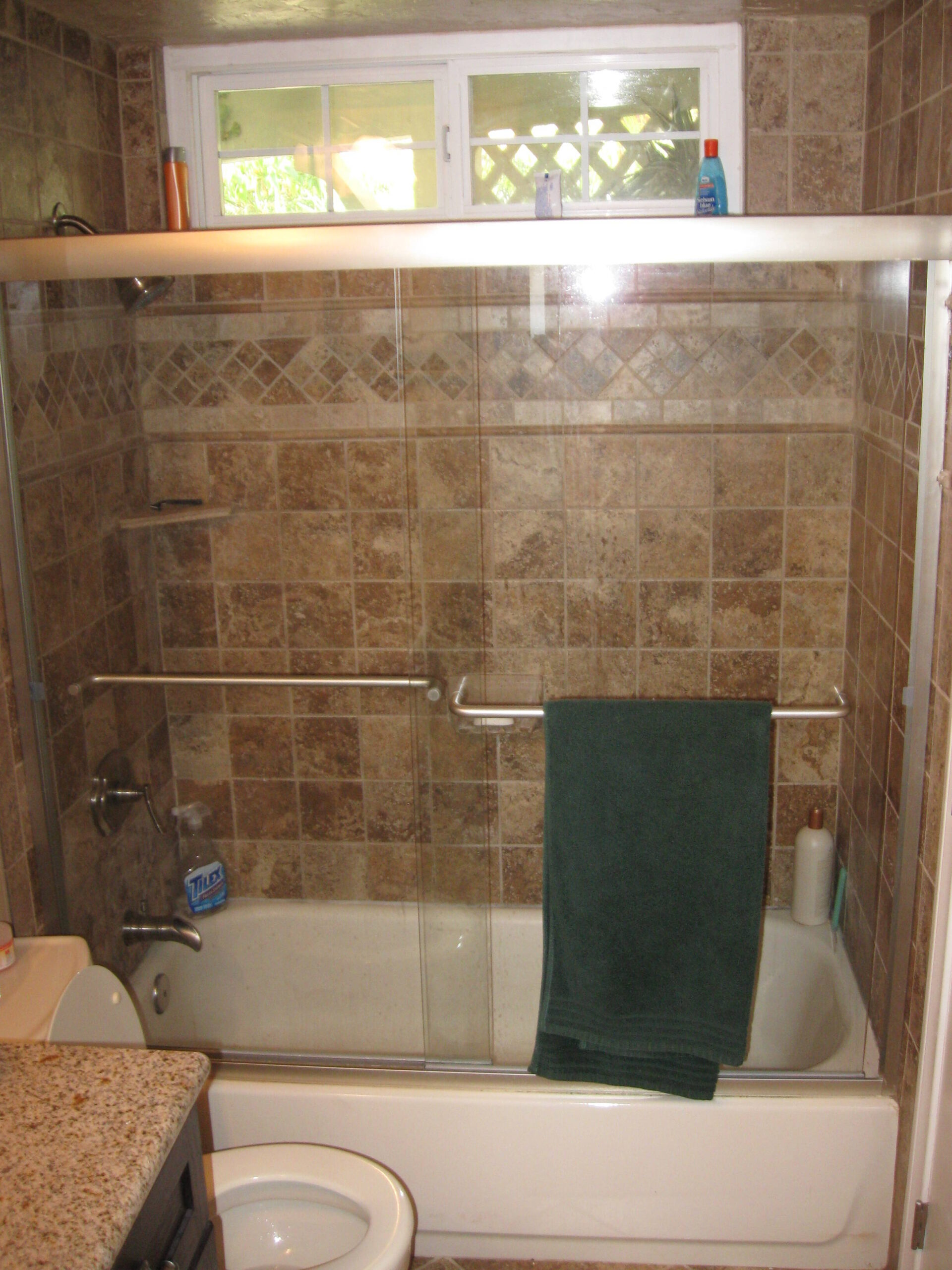 Bathtub Installation, Bathtub Plumbing Repair & Tub Door Install